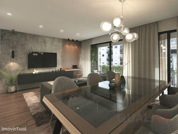 Apartamento T3 com logradouro e garagem em prédio novo no...