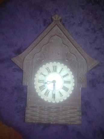 Часы с кукушкой маяк
