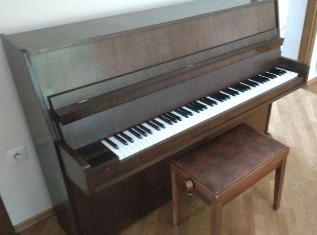 Pianino Calisia M105 brązowe Kraków pianino klasyczne