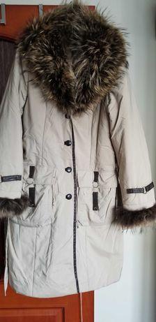 Płaszcz ciepły z futerkiem r.40