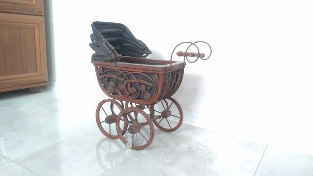 Stary wózeczek dziecięcy