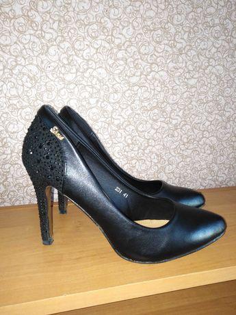 Фирменные туфли kamengsi