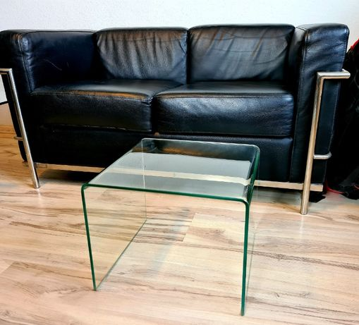Stolik szklany, gięte szkło, mały.