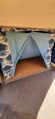 Atrelado tenda com 2 quartos de casal