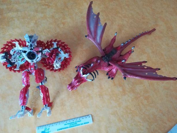 Dragão Megabloks e Robot articulado