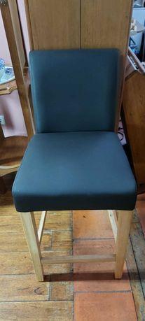 Cadeira alta almofadada