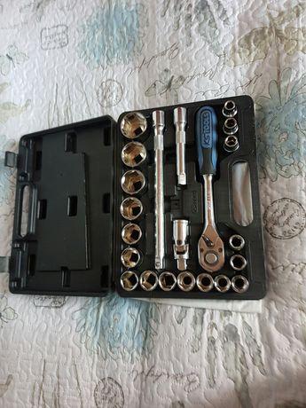 Набор большой трещётки KS Tools немецкого производителя.