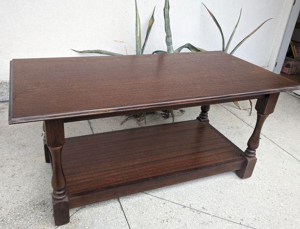 Elegancki drewniany stolik kawowy ława retro