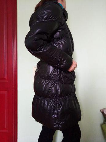 Телая стеганная куртка пальто плащ с капюшоном