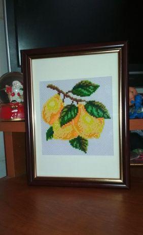 Вышитая интерьерная картина Лимоны
