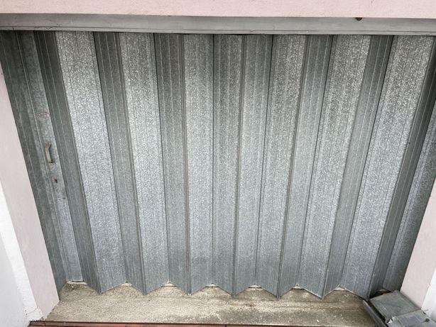 Portão de garagem ou armazem