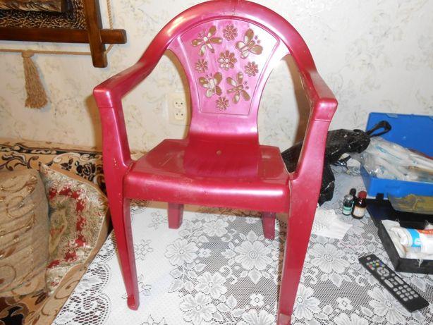 продам стул детский