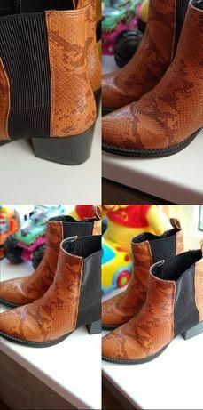 Модные в этом сезоне ботинки ковбойские 37 размера,под джинсы,платье ,