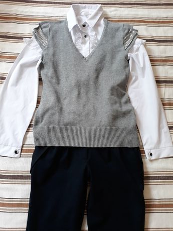 Школьная форма(рубашка,брюки,безрукавка) рост 130 - 140 (38 раз.)