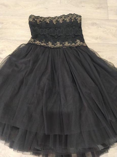 Платье чёрное с зол на подростка или невысокую женщину фирмы neu look