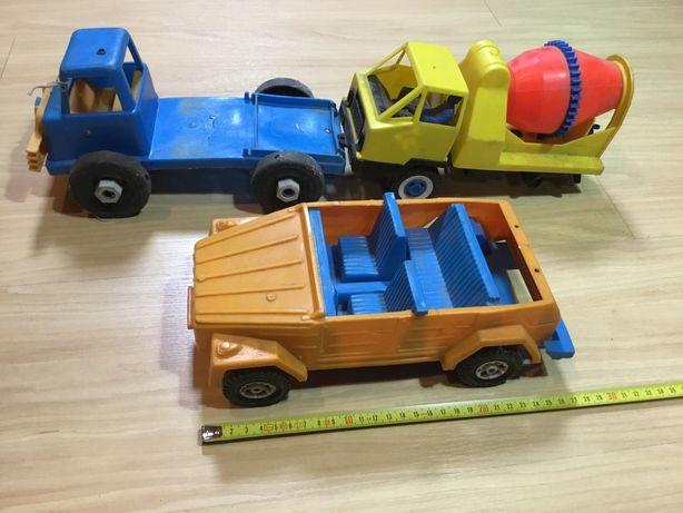 Brinquedos antigos em plástico