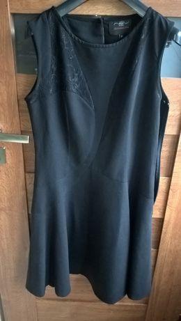 Sukienka czarna rozkloszowana NEU LOOK 38