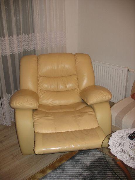 Bujano-Obrotowy Fotel REGIS
