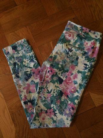 Spodnie rurki kwiaty w kostkę C&A