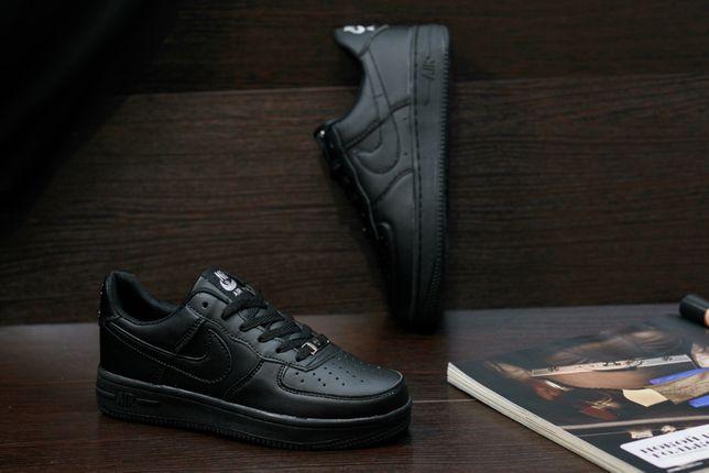 Кроссовки Nike черные