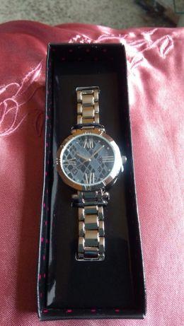 Idealny na prezent w ładnym pudełku Damski zegarek BRIGETTA