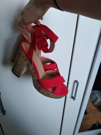 Sandały na słupku New Look 37