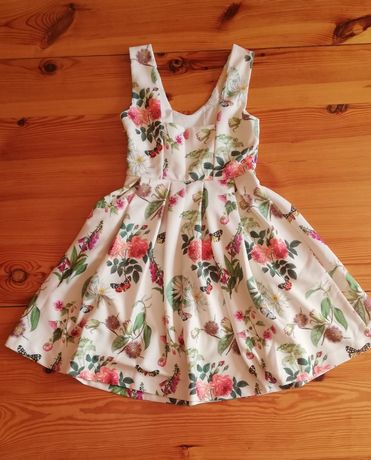 Letnia sukienka kwiaty ecru S 36 rozkloszowana