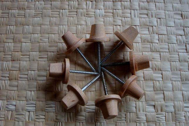Element drewniany z wkrętem