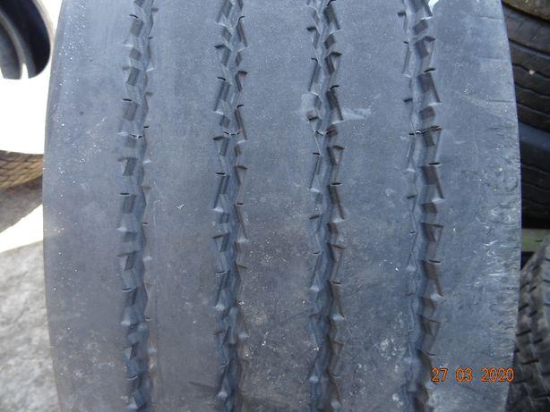 Opona 315/60R22,5 Uniroyal FH100