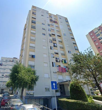 Apartamento T3 em Maximinos a 500 metros da estação da CP
