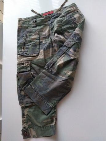 Męskie spodnie moro za kolano