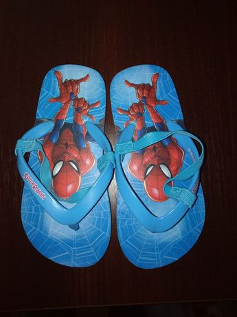 Sandałki nad wode