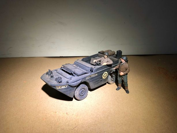 Figura militar - miniatura de veículo anfíbio segunda guerra mundial