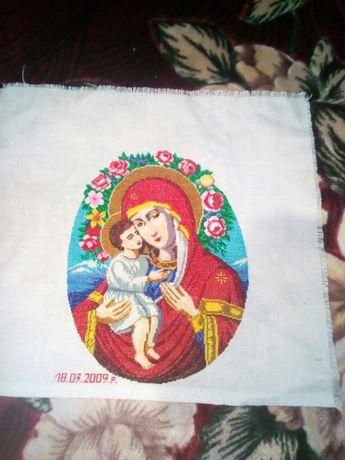 Икона/ручная работа/вышита крестиком/Божья матерь с младенцем