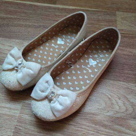 Туфлі для дівчинки. Bluezoo.