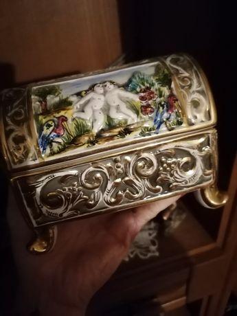 Guarda jóias antigo