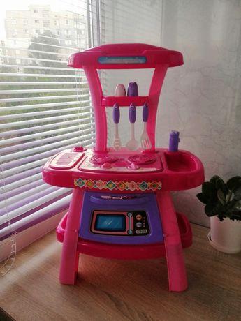Детская кухня розовая.