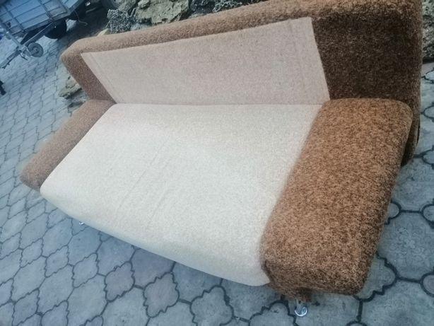 Продам диван бело-коричневый