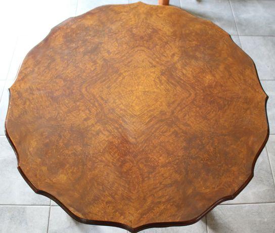 Oryginalny drewniany stolik kawowy
