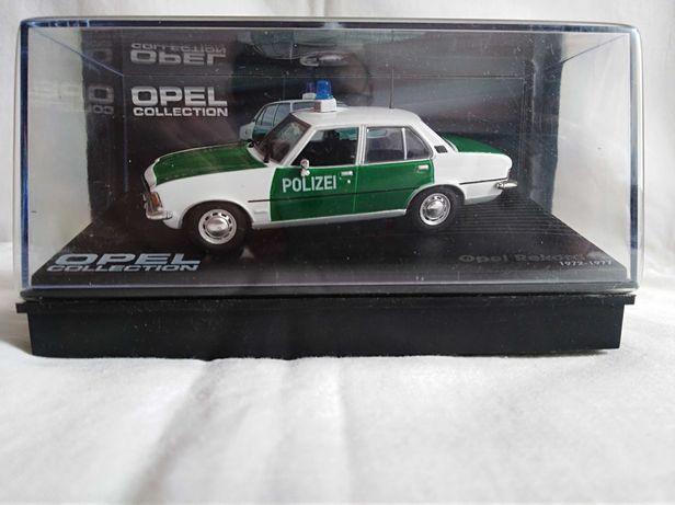 model Opel Rekord D. gablotka skala 1/43