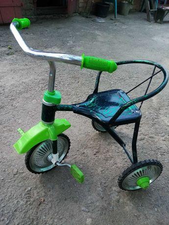 Продам трьохколісний велосипед.