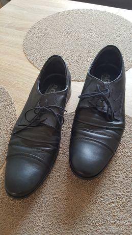 Buty garniturowe męskie używane b. dobry stan rozm. 41