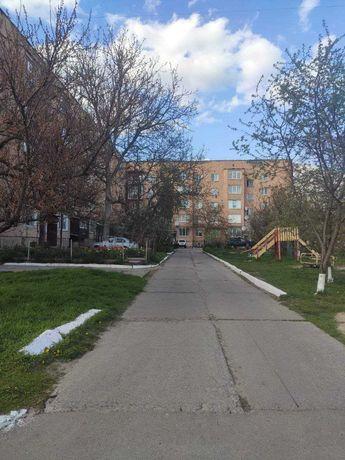 Продається З-х кімнатна квартира в смт Володарка Київська область