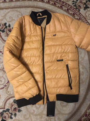 Продам осінню куртку Diverse розмір L