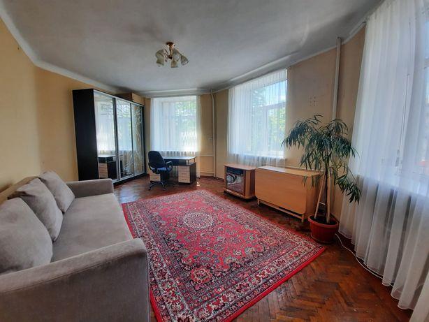 Продам 2 ком .квартиру от собственника, Бавария ДК Ильича.