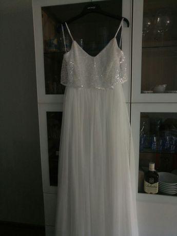suknia ślubna z cekinami