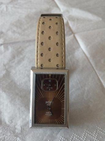 Часы Axcent