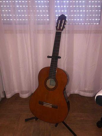 Guitarra Clássica (Yamaha C40)