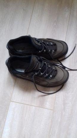 Damskie buty skórzane Lowa Renegade Goretex rozmiar 39(UK 5.5) ,Vibram