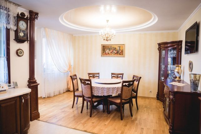 Терміновий продаж надзвичайно красивої 4к квартири по Головацького
